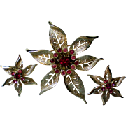 "Sarah Coventry 1967 ""Fashion Flower"" Pin Brooch & Earring Set"
