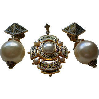 Damascene Faux Pearls Pendant and Matching Clip Earrings