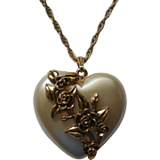 Pearlescent Puffed Heart Pendant Necklace with Roses