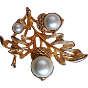 Avon Oak leaf with Acorns Pin Pendant