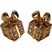 Avon Sparkling Presents Earrings for Christmas / Holidays