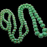 Czech Long Malachite or Peking Glass Art Deco Green Necklace 1920-30s