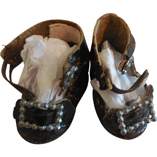 """Tiny 1 1/2"""" French Shoes"""