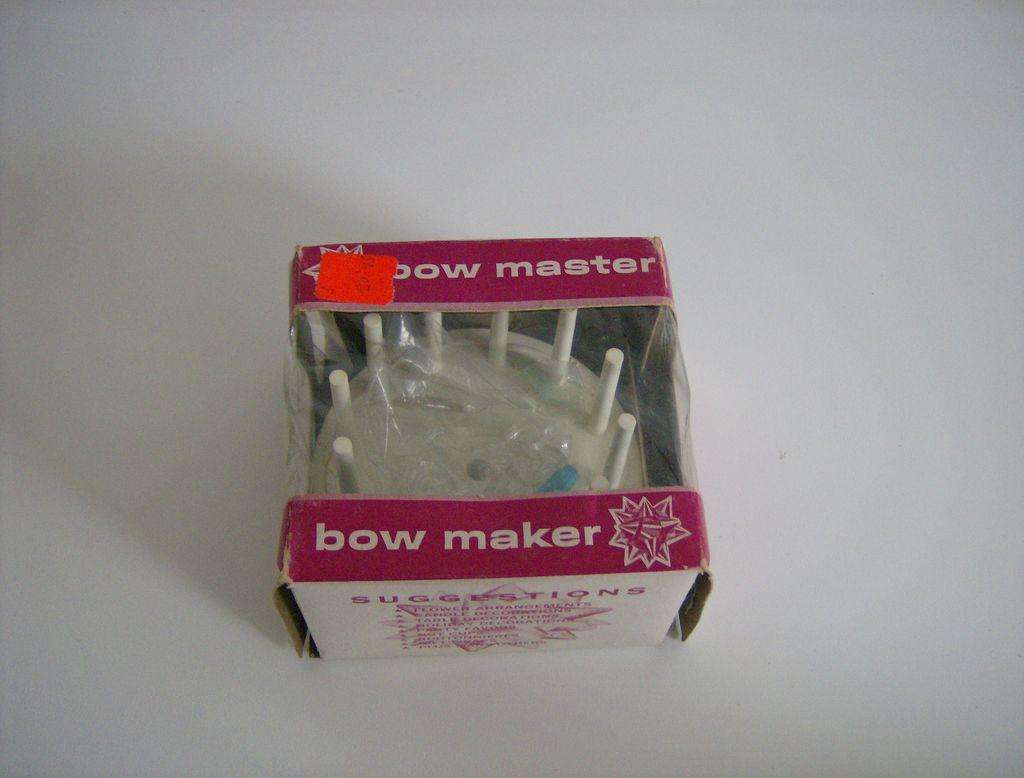 Bow Master Bow Maker ~ 1960's