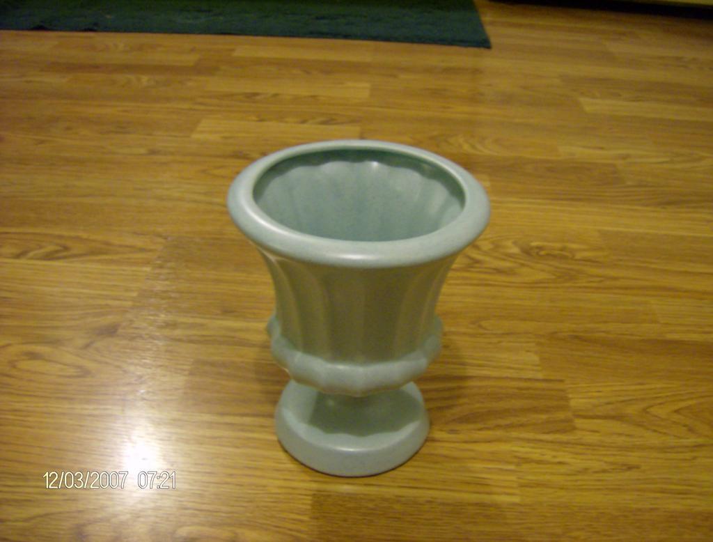Haeger Greek Style Vase/Urn ~ Green