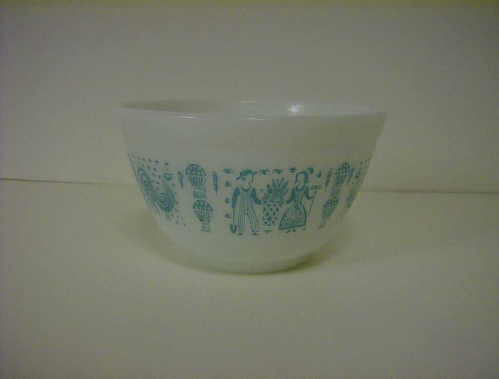 Pyrex Amish Butterprint Small Mixing Bowl