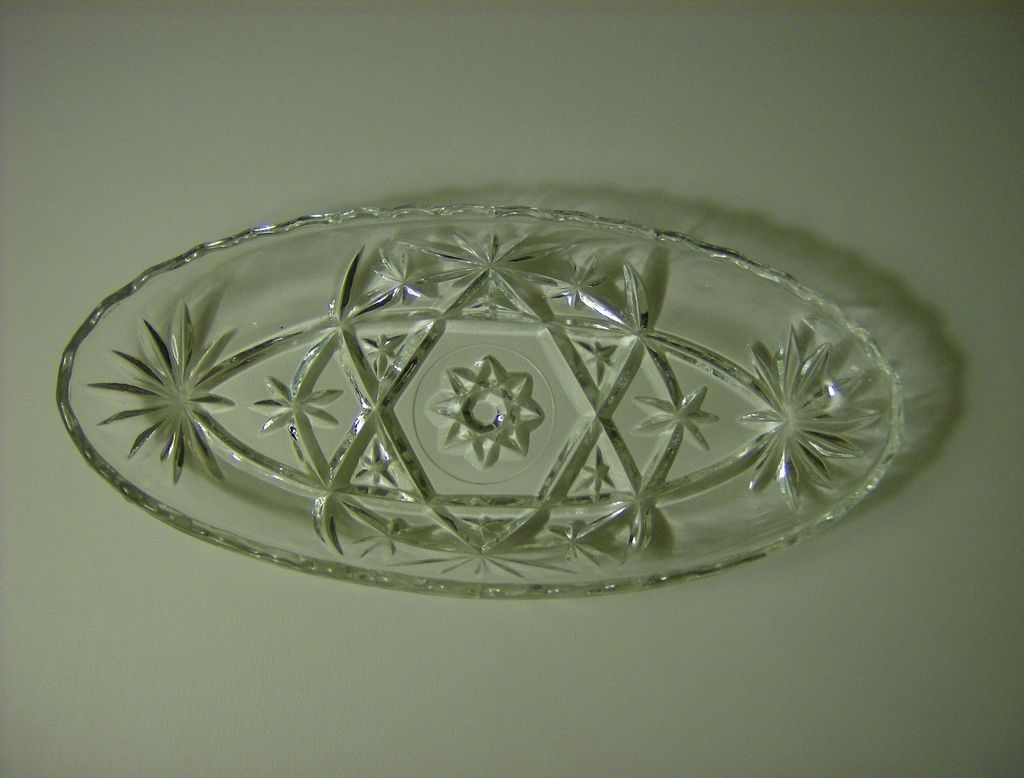 Anchor Hocking  Prescut Pickle Dish