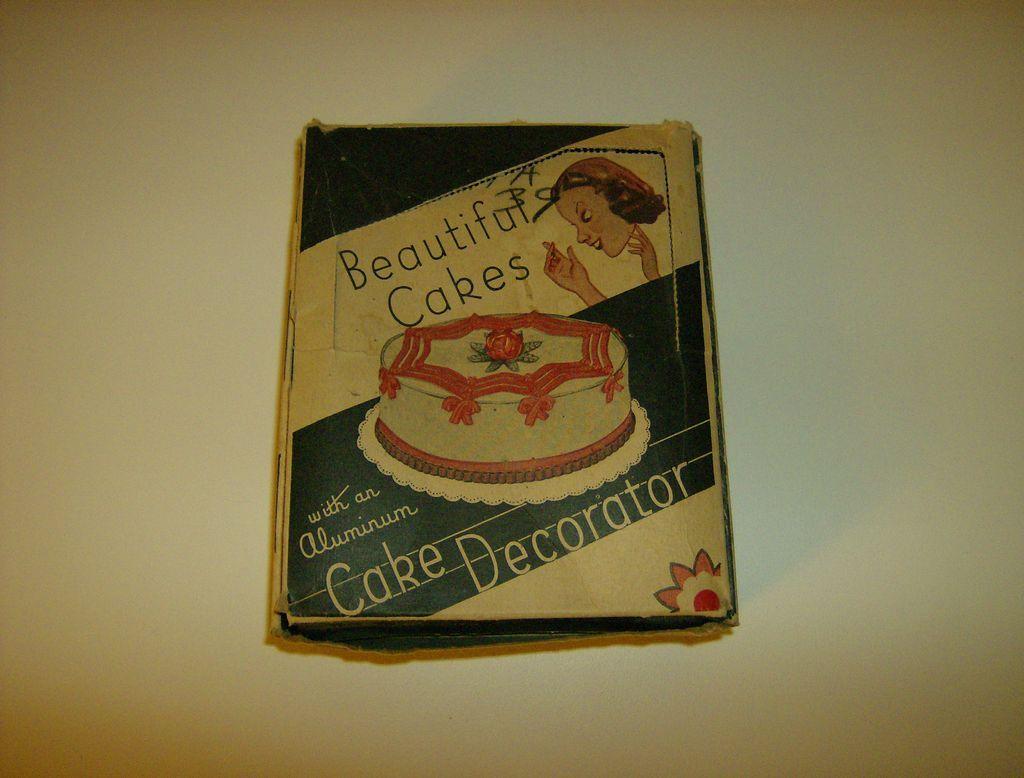 Beautiful Cakes Decorator Set in Original Box