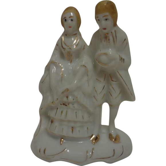 Victorian Couple Figurine 1940's