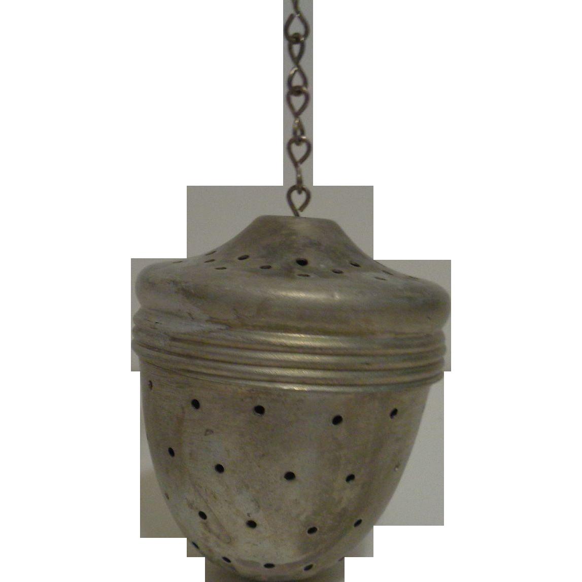 Aluminum Acorn Shaped Tea Ball Infuser