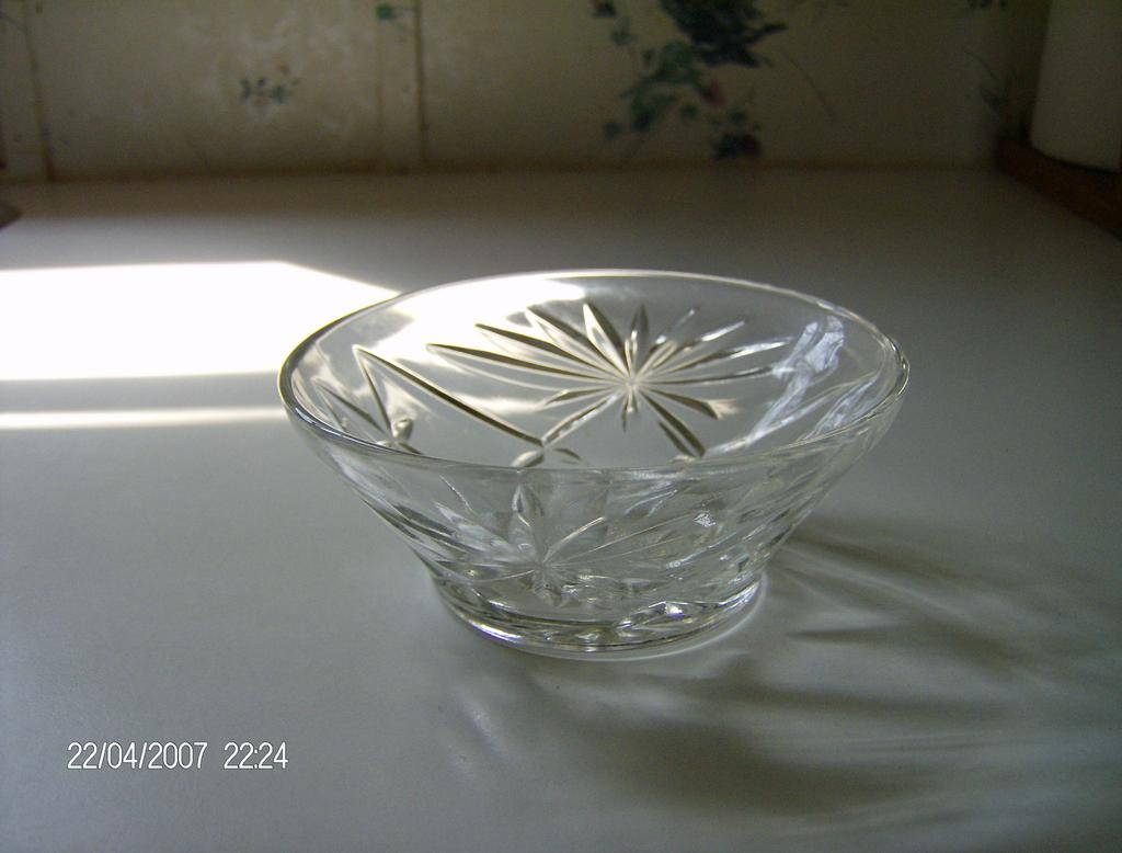 Early American Prescut Berry Bowl Oatmeal Pattern