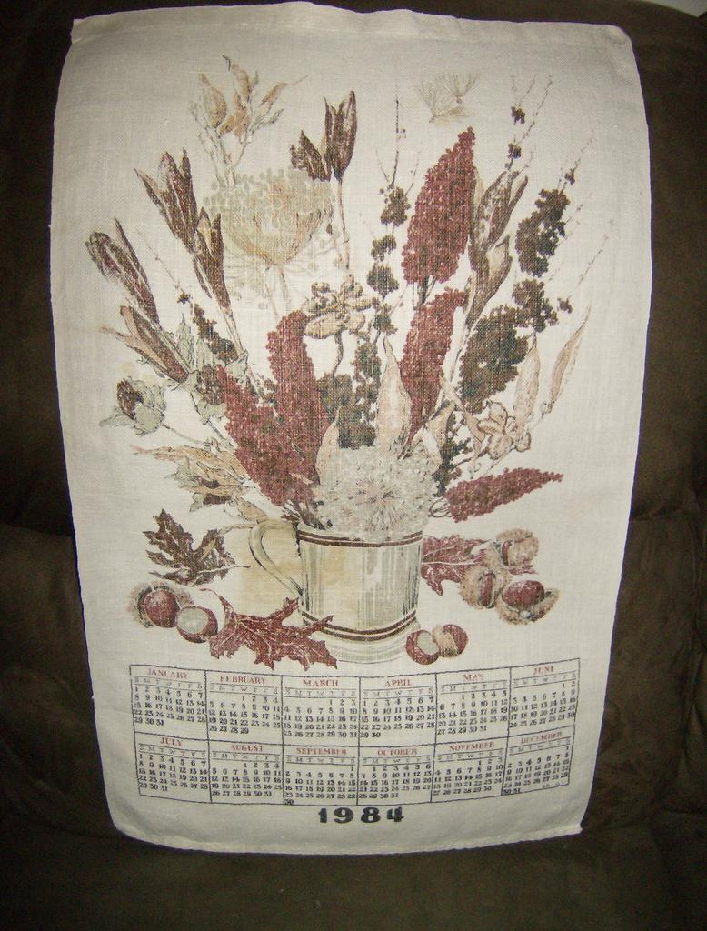 Linen 12 Month Calendar ~ 1984 ~ Bouquet of Fall Flowers