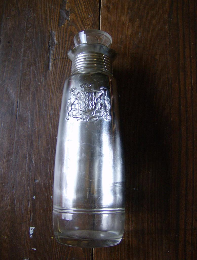 1940's Seagram's Bottle/Decanter with MN Tax Stamp