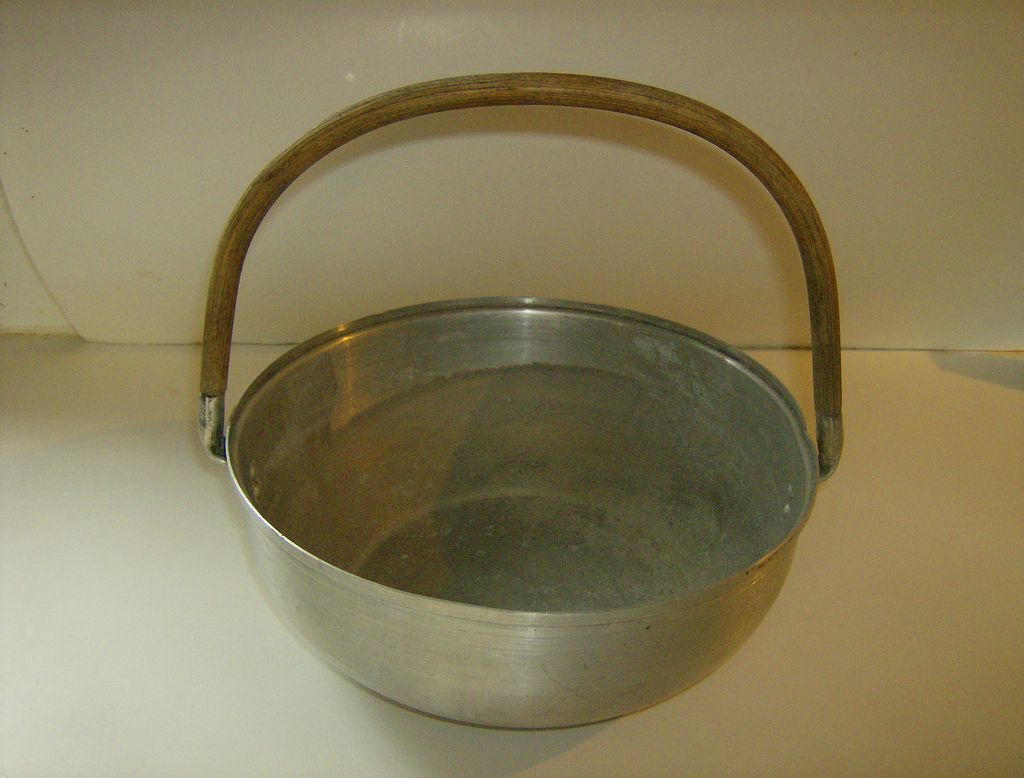 Mirro Aluminum Dinner Roll Basket #3508