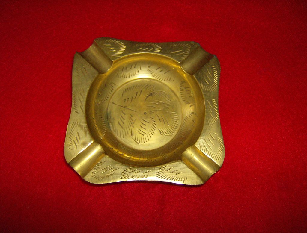 etched brass ashtray made in india from marysmenagerie on ruby lane. Black Bedroom Furniture Sets. Home Design Ideas