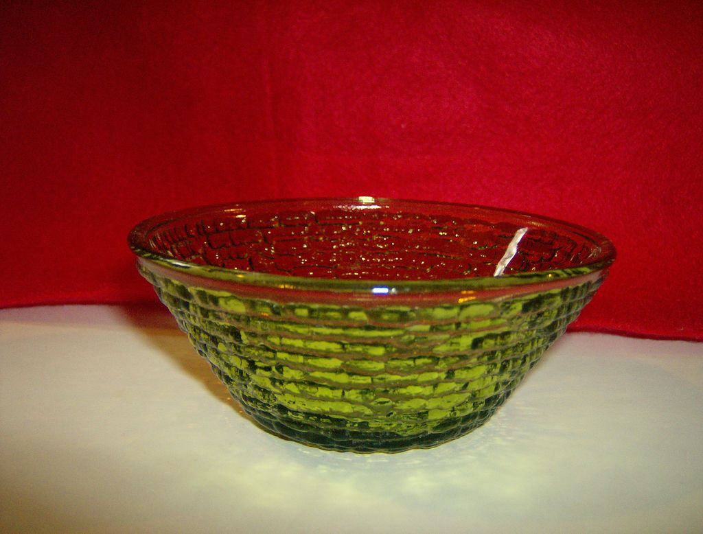 Soreno Small Fruit/Dessert Bowl ~ Avocado Green