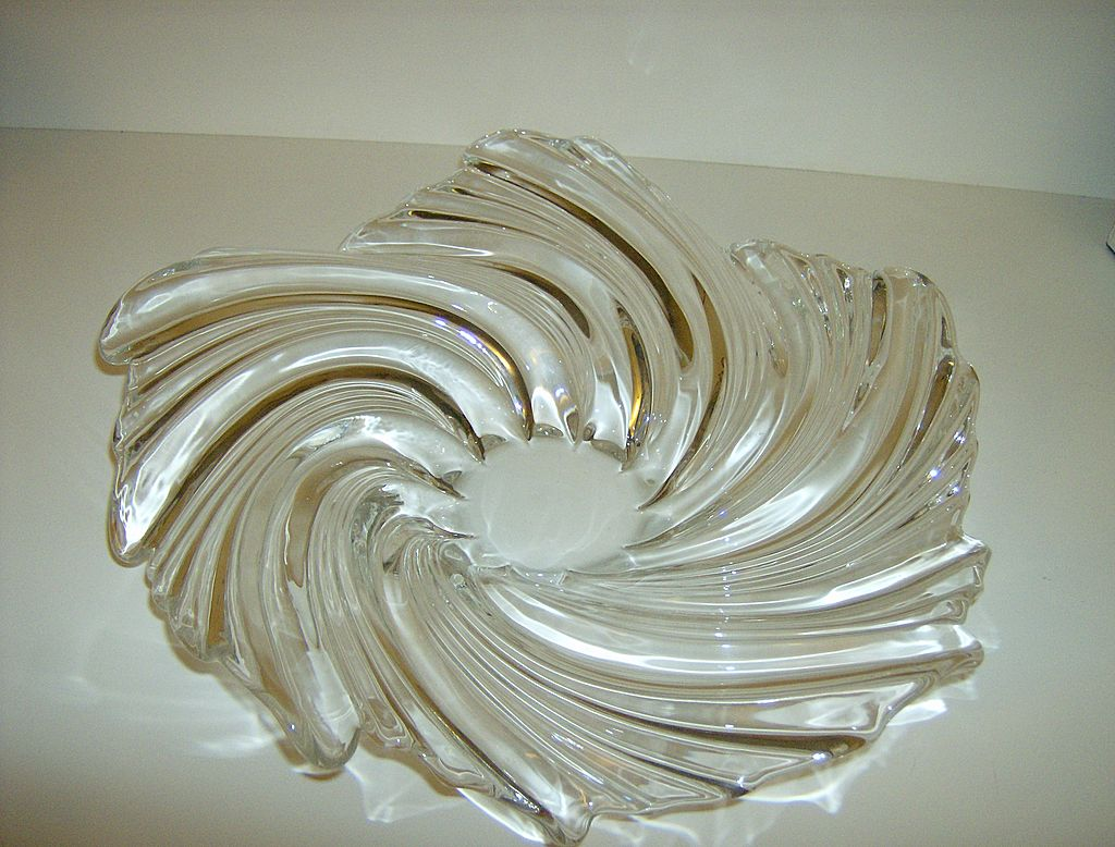 Art Glass Swirl Bowl