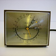 Westclox Brown Bakelite  24 Hr Electric Switch Timer