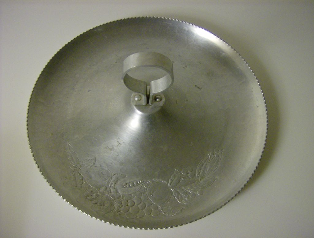 Hand Forged Round Aluminum Fruit Tray