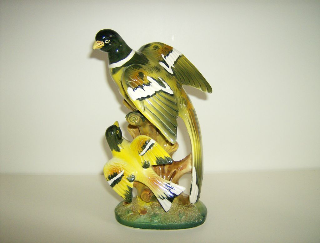 Porcelain Bird Figurine ~ Made in Japan