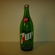 Pop Bottle ~ 7 Up ~ Quart ~ 1981