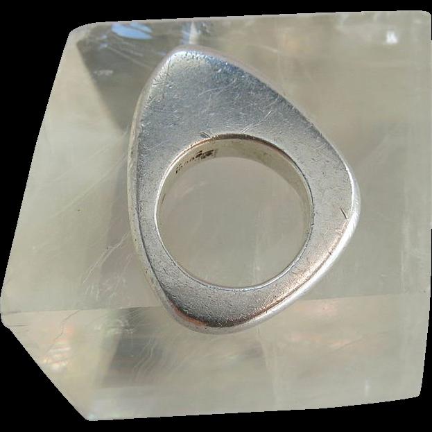 vintage gucci sterling silver modernist ring size 4 5 sold