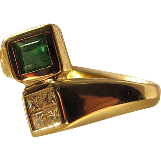 14k Yellow Gold Natural Emerald And Princess Cut Diamond Modernist Ring Size 8