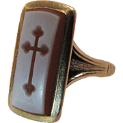 Antique Victorian 14K Gold Carved Agate Ring With Budded Cross