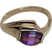 Pretty Vintage 14K yellow Gold Amethyst Ring