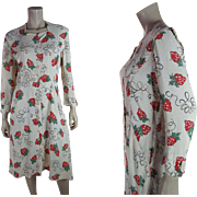 Pretty 1930's Sewing Strawberry Novelty Print Slubbed Rayon Day Dress