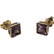 Pretty Vintage14K Yellow Gold Princess Cut Amethyst Post Earrings