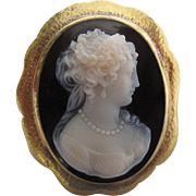 Antique Fine Hard Stone Cameo Brooch In Hammered 14K Gold