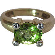 Lovely Vintage 14K Yellow Gold Rose Cut Green Peridot And Diamond Ring