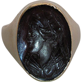 Antique Victorian14K Yellow Gold Carved Carnelian Cameo Ring Size 9.75