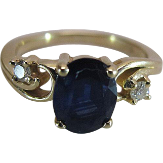 Vintage 14K Yellow Gold Natural Blue Sapphire And Diamond Ring