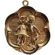 Very Heavy And Sweet Vintage 14K Charm Of Boy And Girl Kissing 12.6 Grams