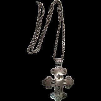 Vintage Navajo Stamped Sterling Silver Budded Cross Pendant Necklace
