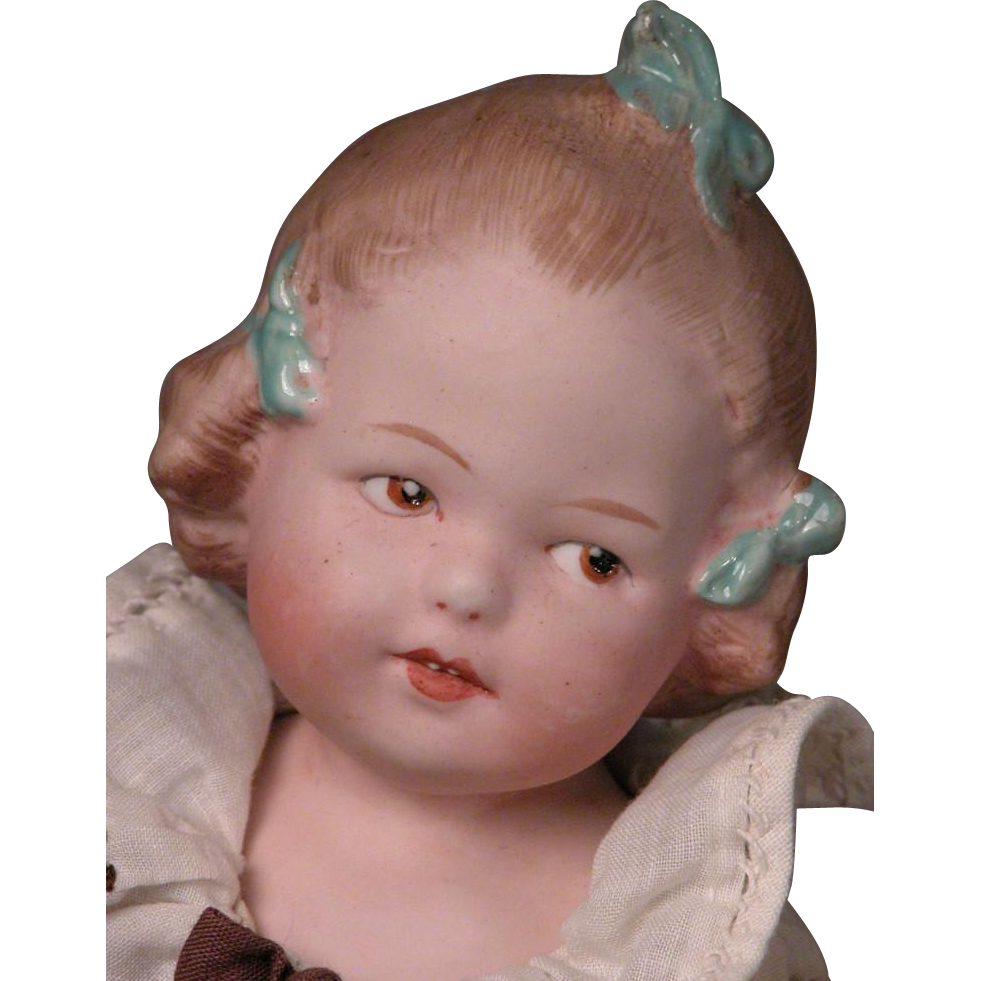 "8 3/4"" Heubach Molded Ribbon Girl Coquette's Cousin"
