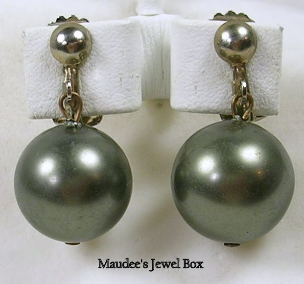 Vintage Dangle Simulated Grey Pearl Clip Earrings in Silver Tone