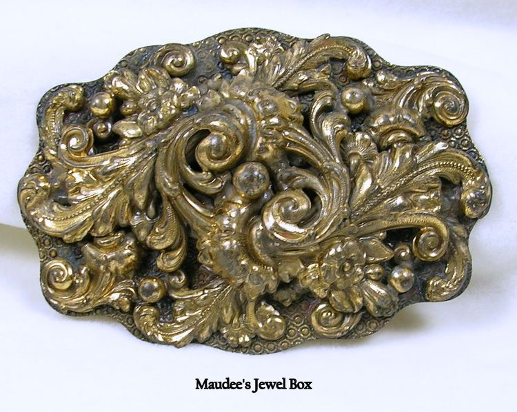 Vintage Baroque Square Brooch Pin in Antiqued Gold Tone