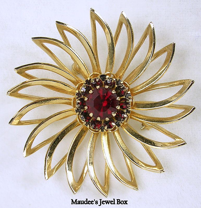 Signed Sarah Cov. Gold Tone Pinwheel Design Brooch Pin with Ruby Red Rhinestones