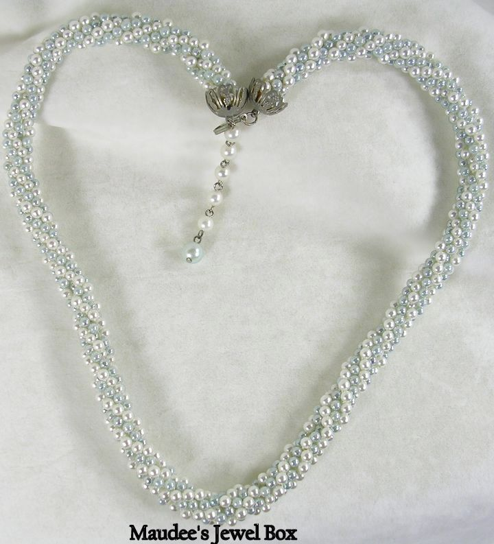 Vintage Mint Green and White Simulated Pearl Beads Twisted Necklace