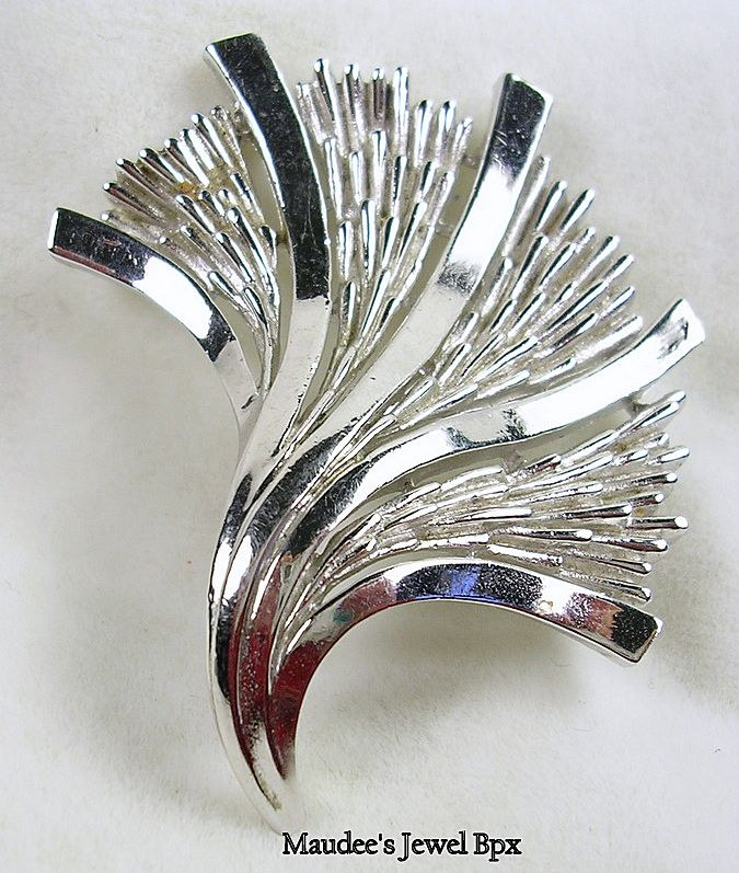Signed Trifari Crown Silver Tone Leaf Brooch/Pin