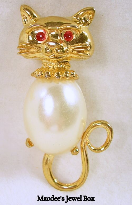 Gold Tone Cat Brooch Pin with Ruby Red Cabochon Eyes