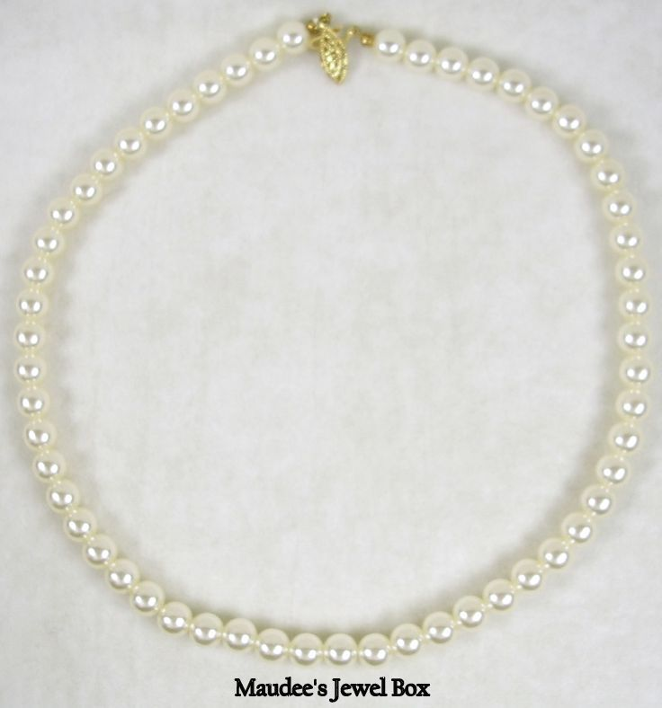 Vintage Single Strand of Simulated Pearls