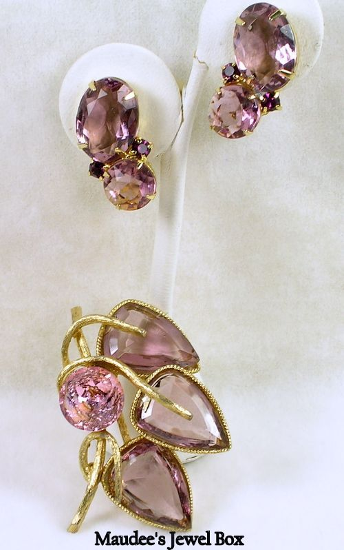 Vintage Light and Medium Pink Faceted Glass Brooch Pin and Clip Earrings