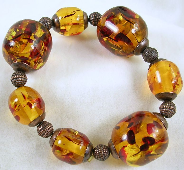 Vintage Lucite Bead Amber Colored Stretch Bracelet