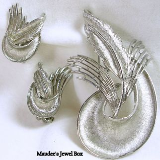 JUDY LEE Silver Tone Pin and Matching Clip Earrings Demi Parure