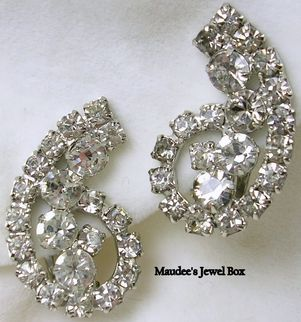 Vintage Rhinestone Paisley Design Silver Tone Clip Earrings-Beautiful!