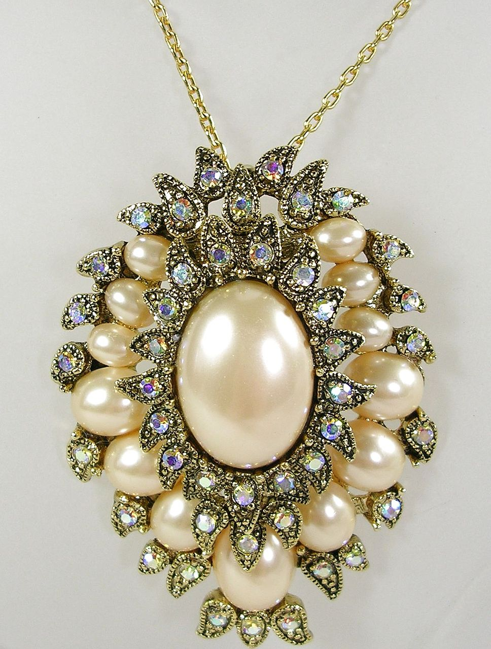 Vintage Pendant Brooch Pin with Simulated  Pearls and Aurora Borealis Crystals in a Antique Gold  Tone! – Beautiful!